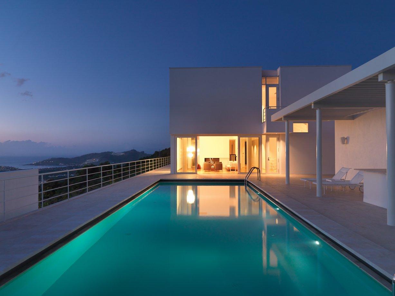 50a2a4d0b3fc4b4ec2000006_bodrum-houses-richard-meier_rmp_bodrum_houses_villa_iii_pool